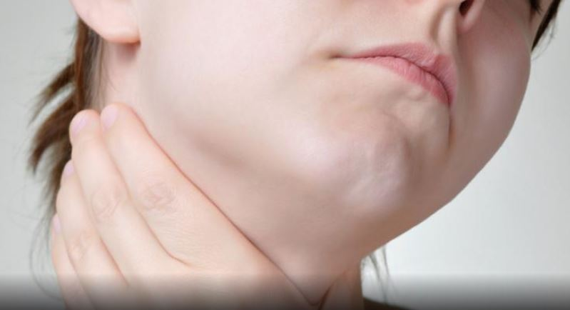 Les solutions pour soulager les maux de gorge - Allodocteurs