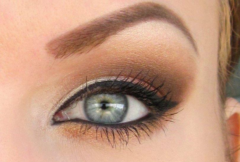 Le maquillage couleur sable tendance vancances for Sable decoratif de couleur