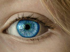 danger des lentilles de contact